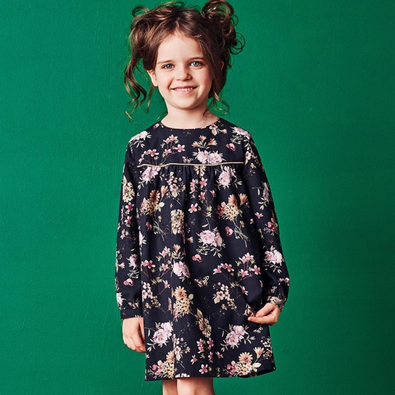 756e9f72cd czarna sukienka w kolorwe kwiatki