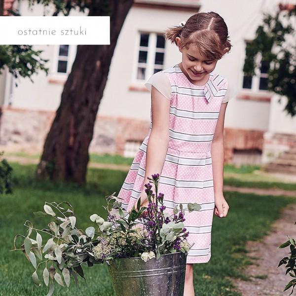 różowa sukienka w paski i kropki