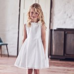 sukienka z żakardu w kropeczki