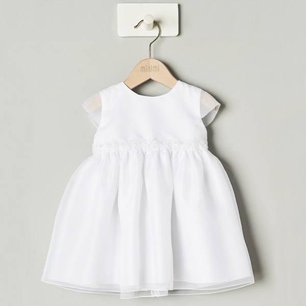 biała sukienka z koronką w pasie
