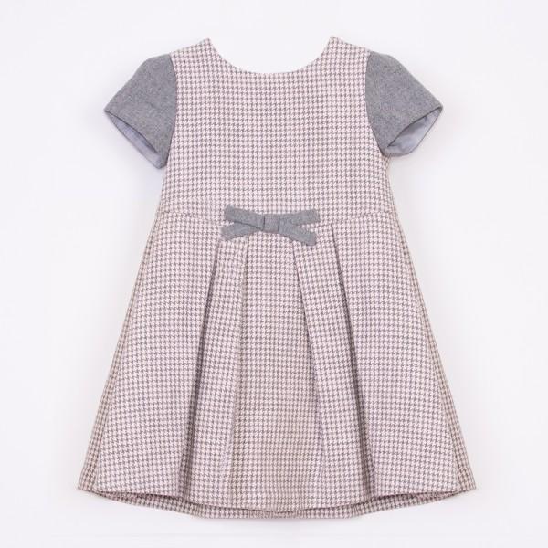 sukienka w różowo-szarą pepitkę