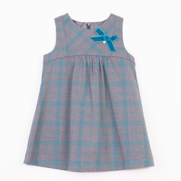 szara sukienka w niebieską kratę