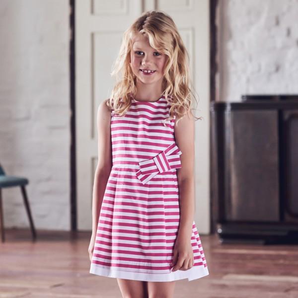 sukienka w różowe paski