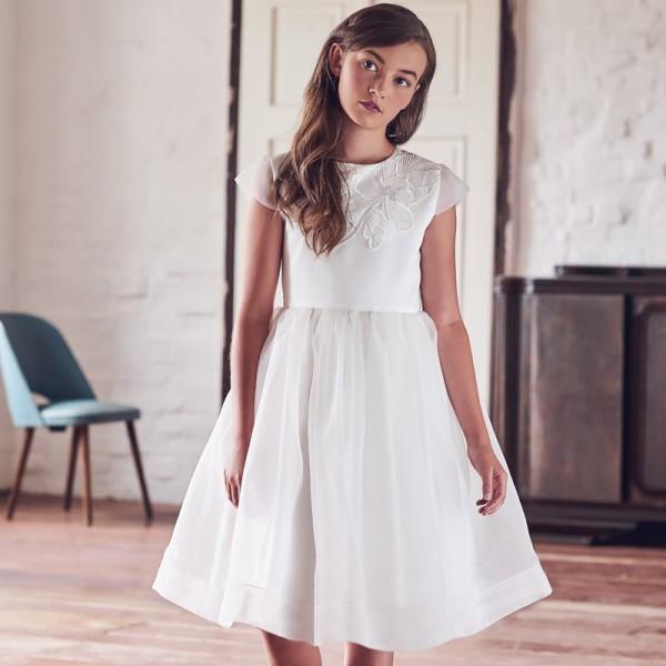 sukienka ecru z ozdobną aplikacją